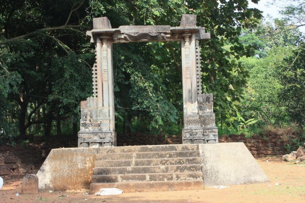 Олд Гоа ворота во дворец Адил Шаха