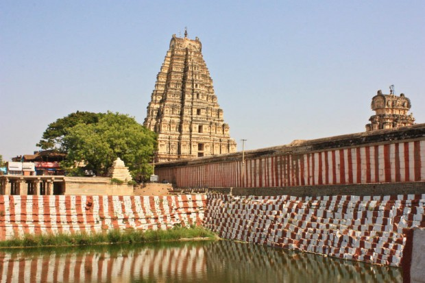 Хампи Базар и храм Вирупакша