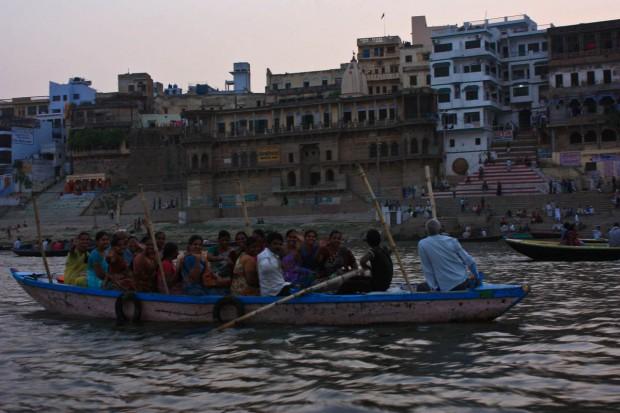 Прогулка на лодке по Ганге