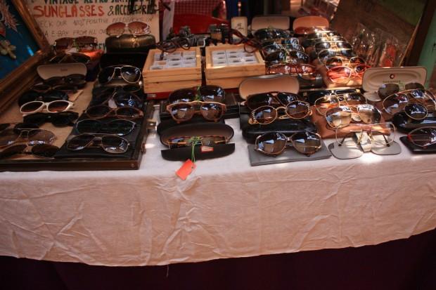 Дневной рынок Фли-маркет в Анджуне